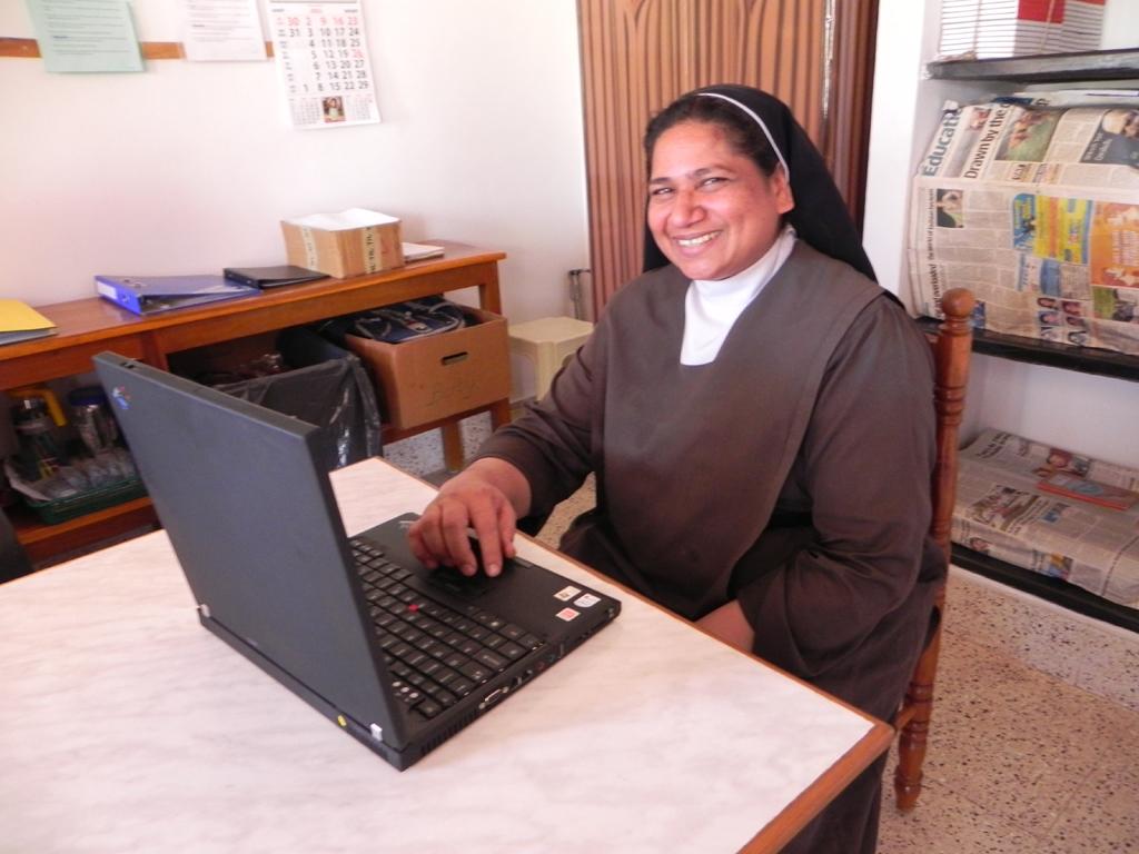 1x1_indien_impression_laptop_sister_sunitha_00