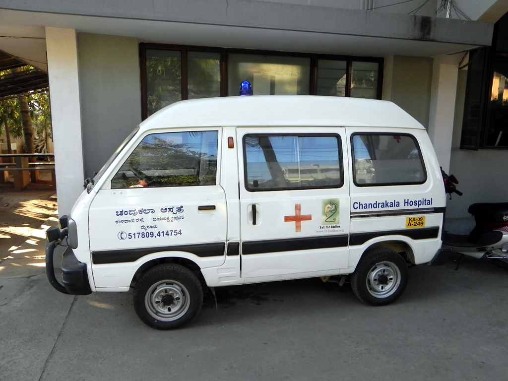 1x1_indien_impression_sponsor_krankenwagen_ambulance_00
