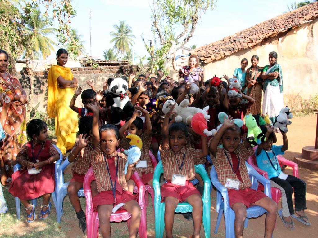 04/11/· Big up Chennai! Unsere erste Show in Indien war ein Fest. Die Workshops liefen super. Wir hatten eine sehr gute Zeit. Danke an das Goethe-Institut Chennai für .