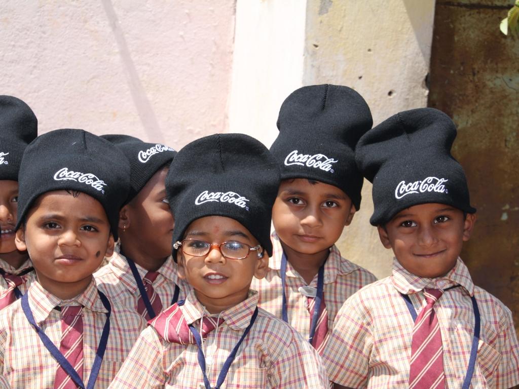 Kindergärtner mit Mützen