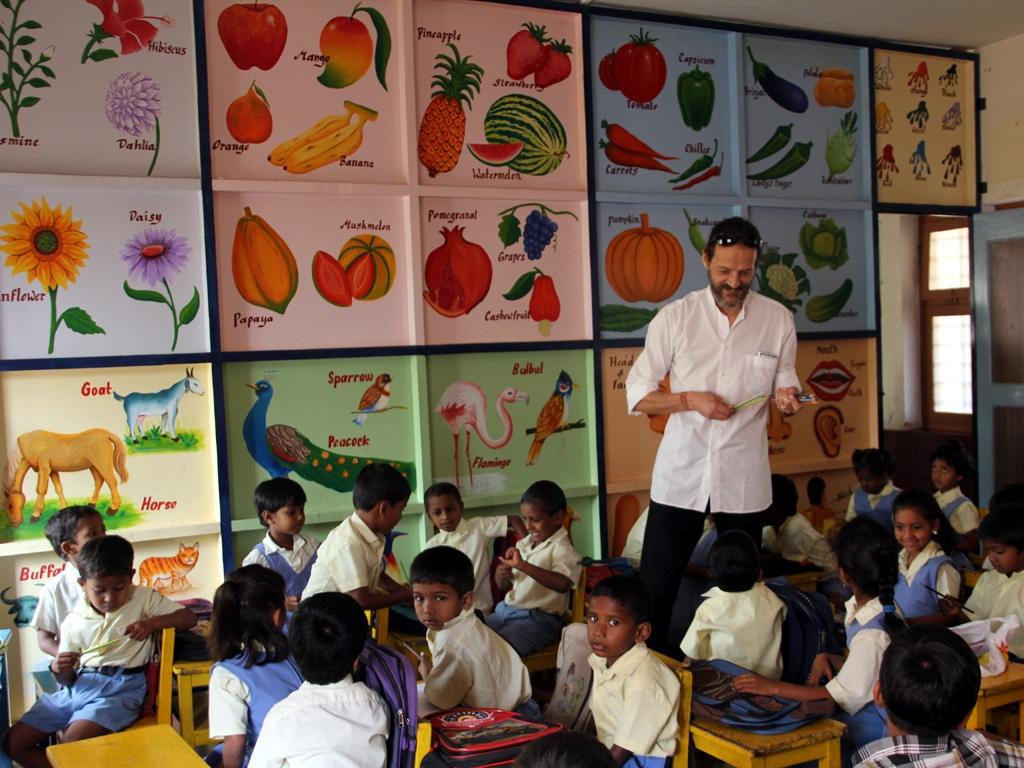 1x1_indien_kindergarten_bunt_bemalt_00
