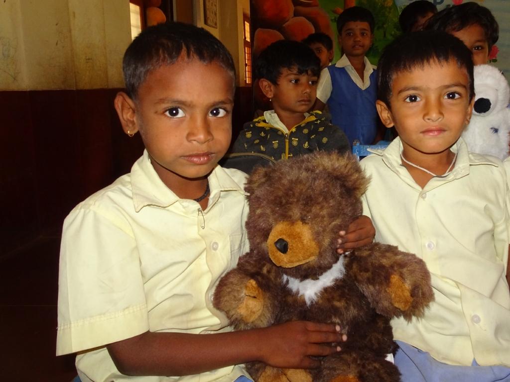 1x1_indien_kindergarten_geschenke_06