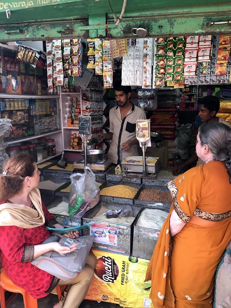 1x1_indien_markt_esswaren_einkaufen_00