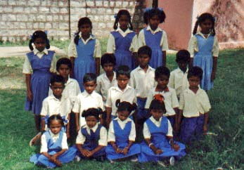 1x1_impression_school_children_group_00